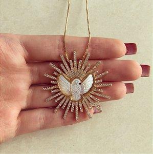Corrente Mandala Cravação Mil Micro Zircônias Diamond/Espírito Santo de Madre Pérola Dourado
