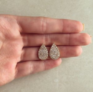 Brinco Gota Cravação Zircônias Diamond Dourado