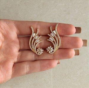 Brinco Ear Cuff Flor de Navetes e Mil Zircônias Diamond Cravejada Dourado