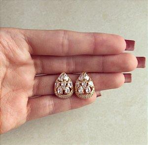 Brinco Gota Cravação de Zircônias e Cristais Diamond Dourado
