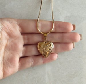 """Corrente Relicário Coração """"Love You"""" Dourado"""