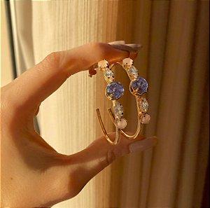 Brinco Argola Zircônia Leitosa Safira Rosa, Diamond e Pedra Fusion Ametista Dourado