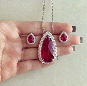 Conjunto Luxuoso Elos Maxi Gota Pedra Raiada Rubelita e Mil Zircônias Diamond Ródio Branco