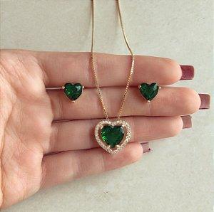 Conjunto Coração Cristal Verde Esmeralda e Cravação de Zircônias Diamond Dourado