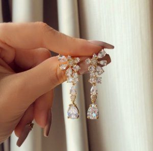 Brinco Milão Cravação Mil Maxi Zircônias Diamond Luxuosa Dourado