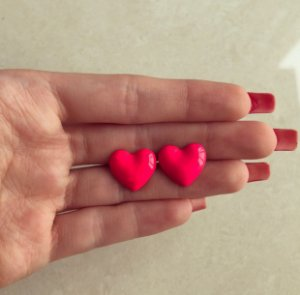 Brinco Coração Esmaltação Rosa Neon Dourado