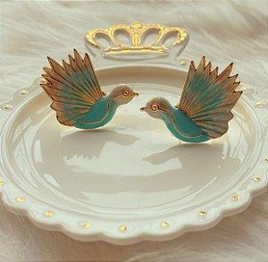 Brinco Maxi Pássaro Esmaltado Verde Água Dourado