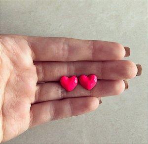 Brinco Coração Pequeno Esmaltação Rosa Neon Dourado