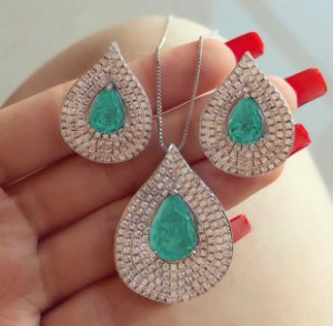 Conjunto Luxuoso Paris Maxi Gota Pedra Fusion Verde Paraíba e Cravação Mil Zircônias Diamond Ródio Branco