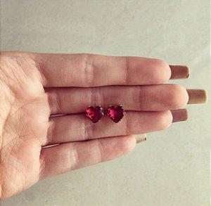 Brinco Maxi Coração Cristal Rubelita Dourado