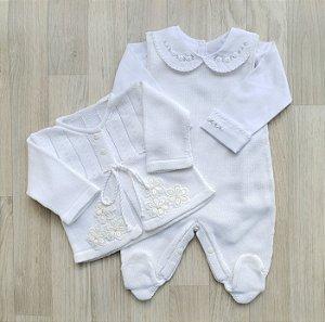 Conjunto Maternidade Tricot - Siena branco (Jardineira e Casaco)