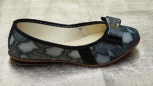 Sapatilha com detalhe no solado cor mancha prateada CL-01
