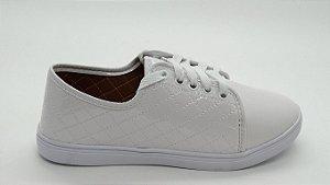 Tênis sola baixa  de cadarço branco verniz  tn-03