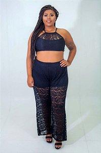 Calça Pantalona em Renda Preta Plus Size