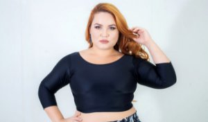 Top Cropped Manga Sem Bojo Preto Plus Size