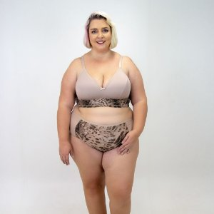 CONJUNTO CROPED ESTAMPA DE ONÇA PLUS SIZE