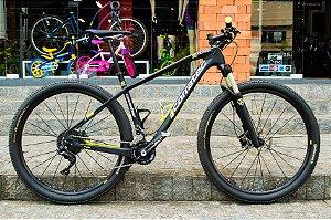Bicicleta Corratec Revolution 29 - Tamanho L - Seminova