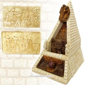Fonte Egípcia - Pirâmide Tuthankâmon - Areia - Grande