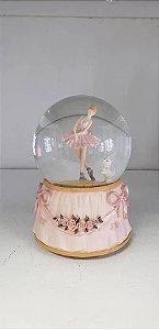 Globo de neve com bailarina