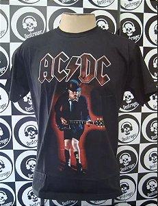 Camiseta AC DC - Angus com Guitarra