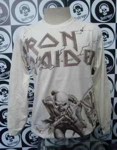 Camiseta manga longa toda estampada - Iron Maiden - Bege