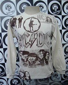 Camiseta manga longa toda estampada - AC DC - Bege
