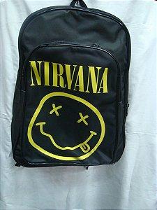 Mochila Escolar - Nirvana - Básica