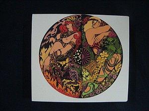 CD + DVD Graveyard - Lady in Gold