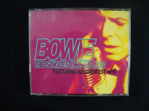 CD David Bowie - The Singles 1969 to 1993 - Featuring Greatest Hits - Duplo Importado