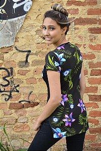 Camiseta florida com bolso florido