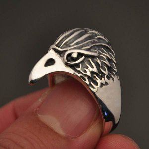 Anel cabeça de águia em prata 950k