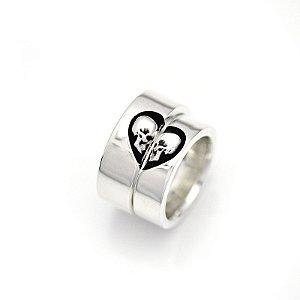 Par de alianças caveiras um só coração em prata 950k 8 MM (MASCULINA) E 6 MM (FEMININA) - QUADRADA