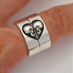 Par de alianças caveiras um só coração em prata 950k 8 MM - QUADRADA