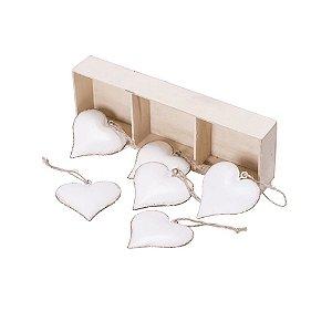 Caixa com 6 corações branco antigo para pendurar em metal F359594