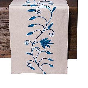 Caminho de mesa off white c/bordado tons azul C209724