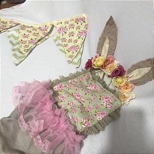 Kit macacão linho bege florido e headband floral Manu