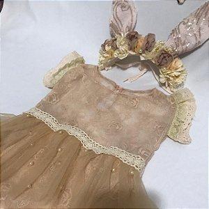 Body tule bordado bege com saia pérola e headand floral Mariah