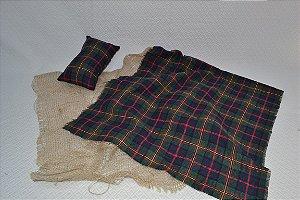 Kit travesseiro, tapete juta e tapete xadrez