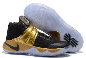 Tênis Nike Kyrie Dourado com Preto