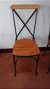 Cadeira De Ferro E Madeira De Demolição