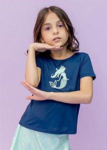 T-shirt em Crepe Marinho com Aplicação Sereia