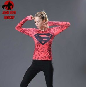 Camisa Feminina Superman Vermelha - Manga Longa