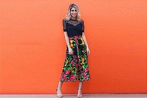 Calça pantacourt estampa floral preta