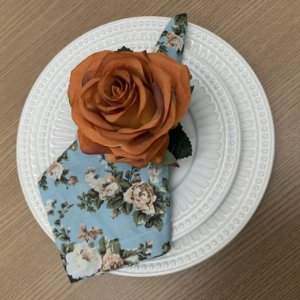 Guardanapo Estampado floral e porta Guardanapo Rosa laranja - Dueto 8 lugares