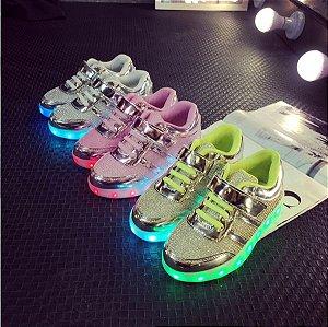 Tenis LED Infantil Antiderrapante Recarregável USB