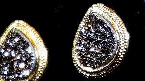 Brincos Cristal de Geodo de Rocha de Quartzo Titânio Gota Trabalhada