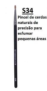 S34 - PINCEL Pelo natural de precisão para esfumar pequenas áreas