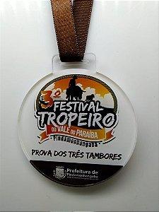 Medalha em acrílico com 7 cm de diâmetro