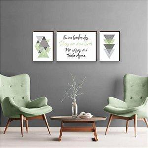 Trio de Quadros Triângulos com frase Eu me Lembro dos Dias em que Orei Por Coisas que Tenho Agora Verde [BoxMadeira]