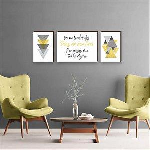 Trio de Quadros Triângulos com frase Eu me Lembro dos Dias em que Orei Por Coisas que Tenho Agora Amarelo [BoxMadeira]